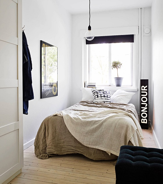 hanging light tiny bedroom hack