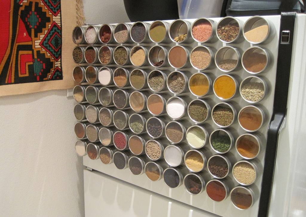 magnetic spice fridge kitchen hack